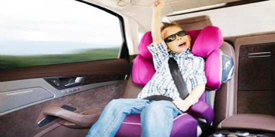 Bimbi in auto: multe fino a 323 euro e sospensione patente ...