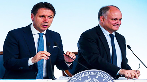 Italian Prime Minister Giuseppe Conte (L) with Italian Minister of Economy, Roberto Gualtieri, attend a press conference after a Cabinet for the approval of the update note to the Economic and Financial Document (Economic planning) at Chigi Palace in Rome, Italy, 30 September 2019.  ANSA/ANGELO CARCONI